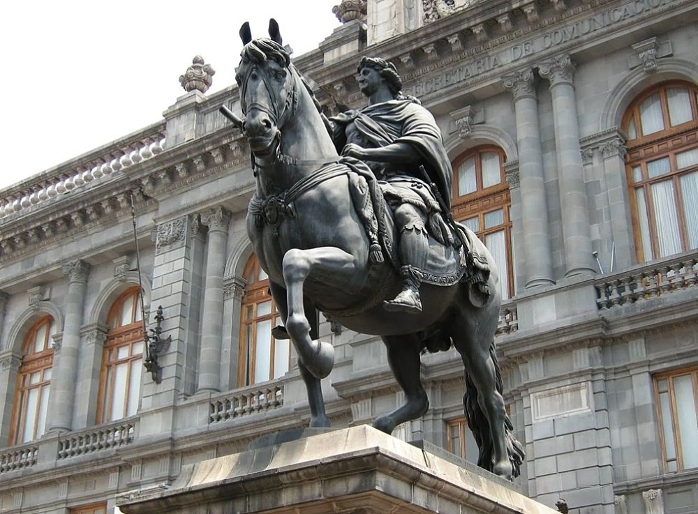Monumento El Caballito, Ciudad de México.